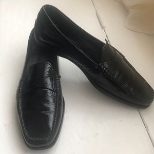 Tod's black patent leather loafers/ driving shoes